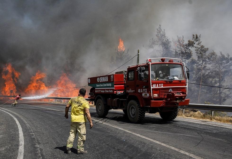 تركيا.. ارتفاع حصيلة قتلى حرائق الغابات إلى 8 (فيديو)