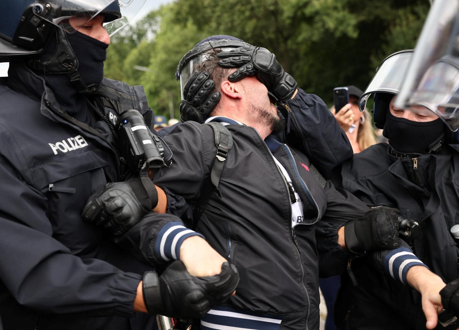 برلين.. توقيف أكثر من 500 محتج على قيود كورونا