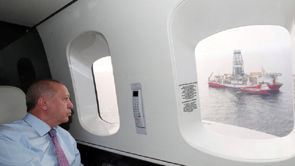 الرئيس التركي رجب طيب أردوغان في طائرته الخاصة - أرشيف