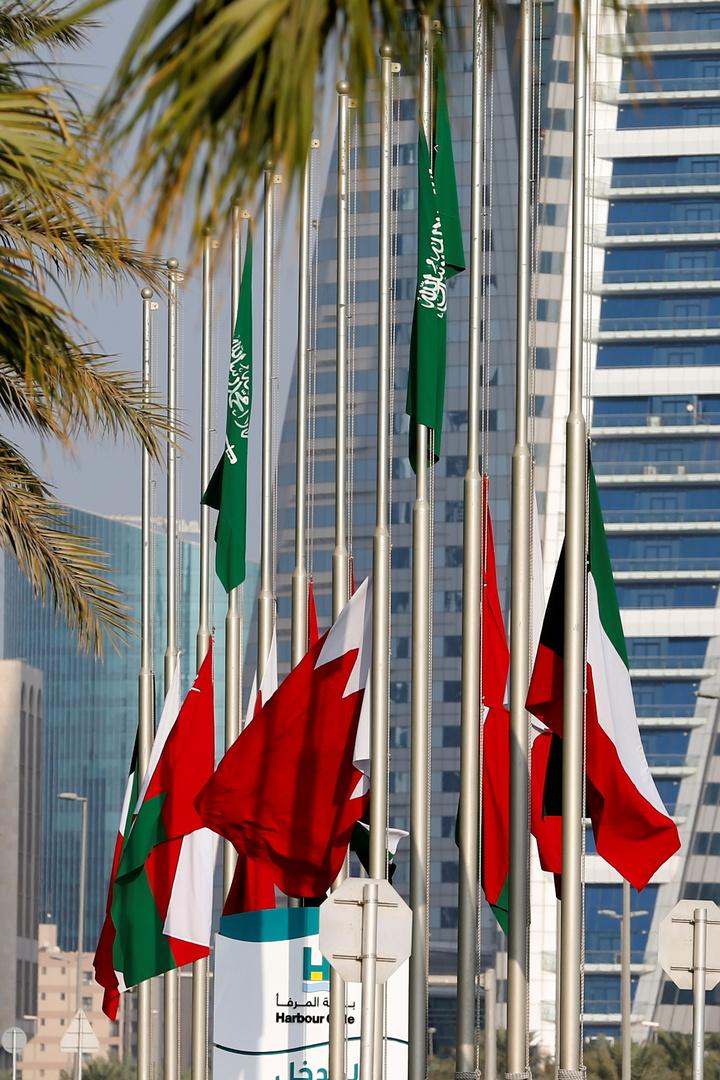 الإحصاء الخليجي: كل 158 ذكرا تقابلهم 100 أنثى بدول مجلس التعاون