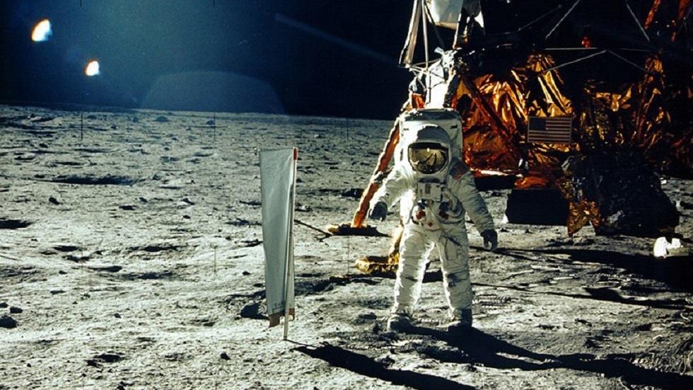 مركبة صعود أبولو 11 ربما ما تزال تدور حول القمر ولم تتحطم كما كان يعتقد سابقا