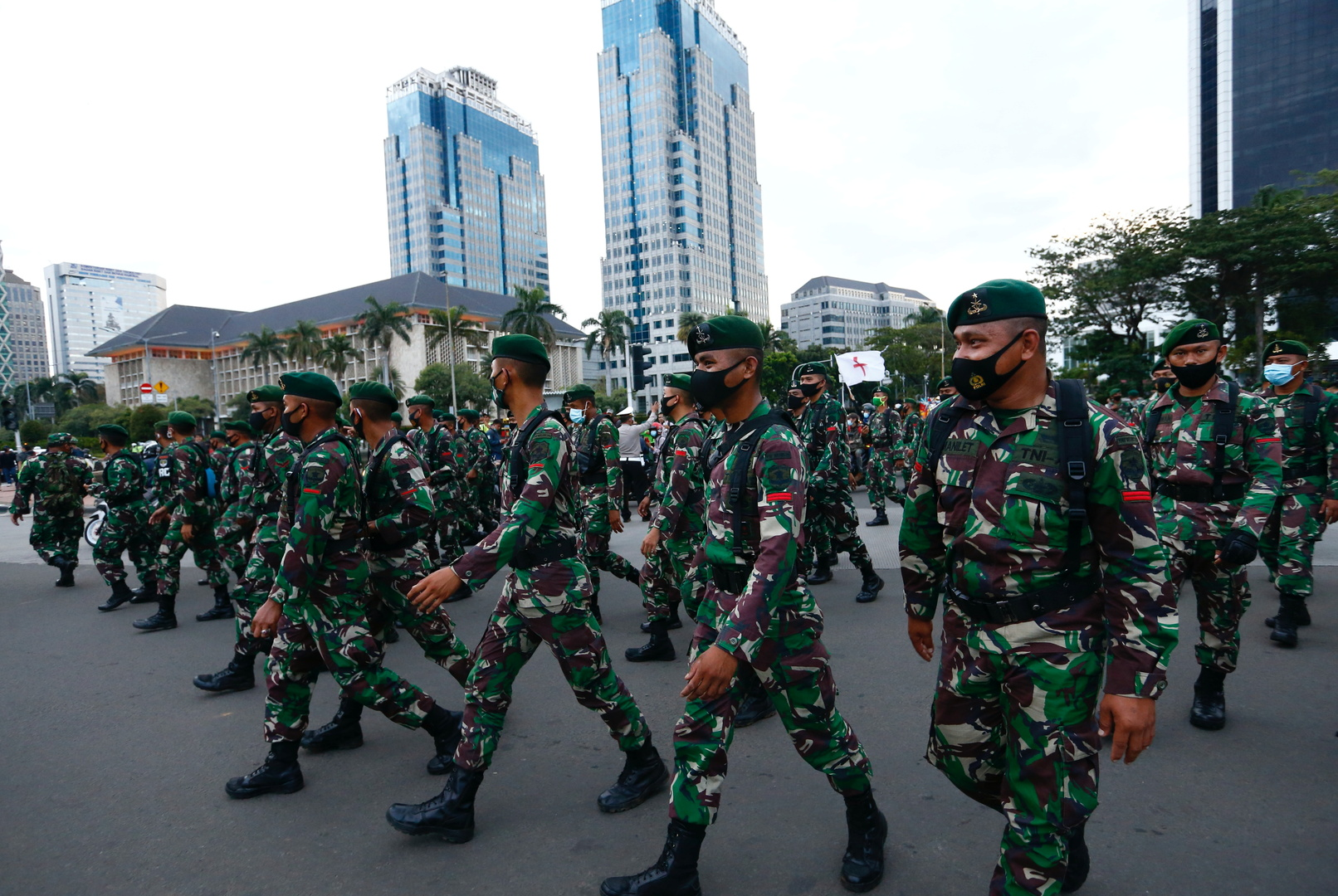 إندونيسيا.. السجن 7 أشهر لجندي أقام علاقات جنسية مثلية