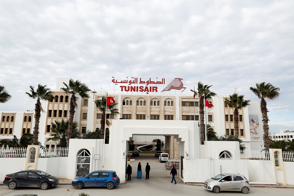 تونس.. منع 5 مديرين ومهندسين بالخطوط الوطنية من السفر