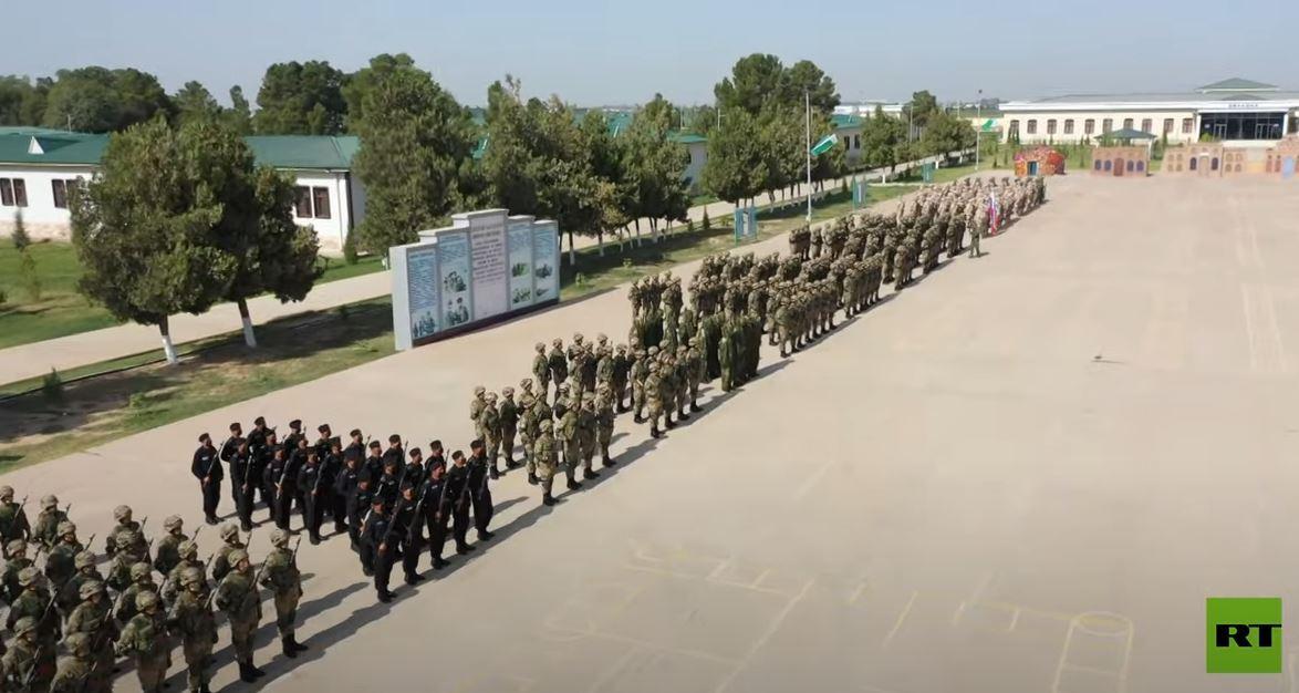 مناورات روسية أوزبكية مشتركة على الحدود الأفغانية