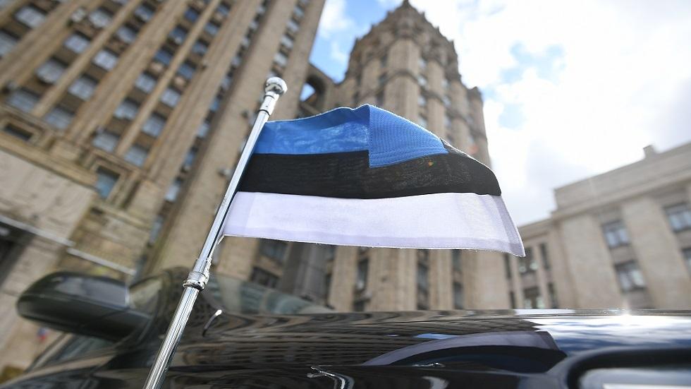 سيارة السفير الإستوني في موسكو أمام مبنى الخارجية الروسية (صورة أرشيفية)