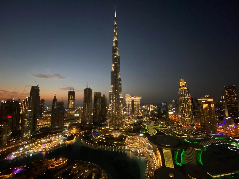 الإمارات.. وزارة  الموارد البشرية تعرف بأنواع تصاريح العمل في البلاد (فيديو)