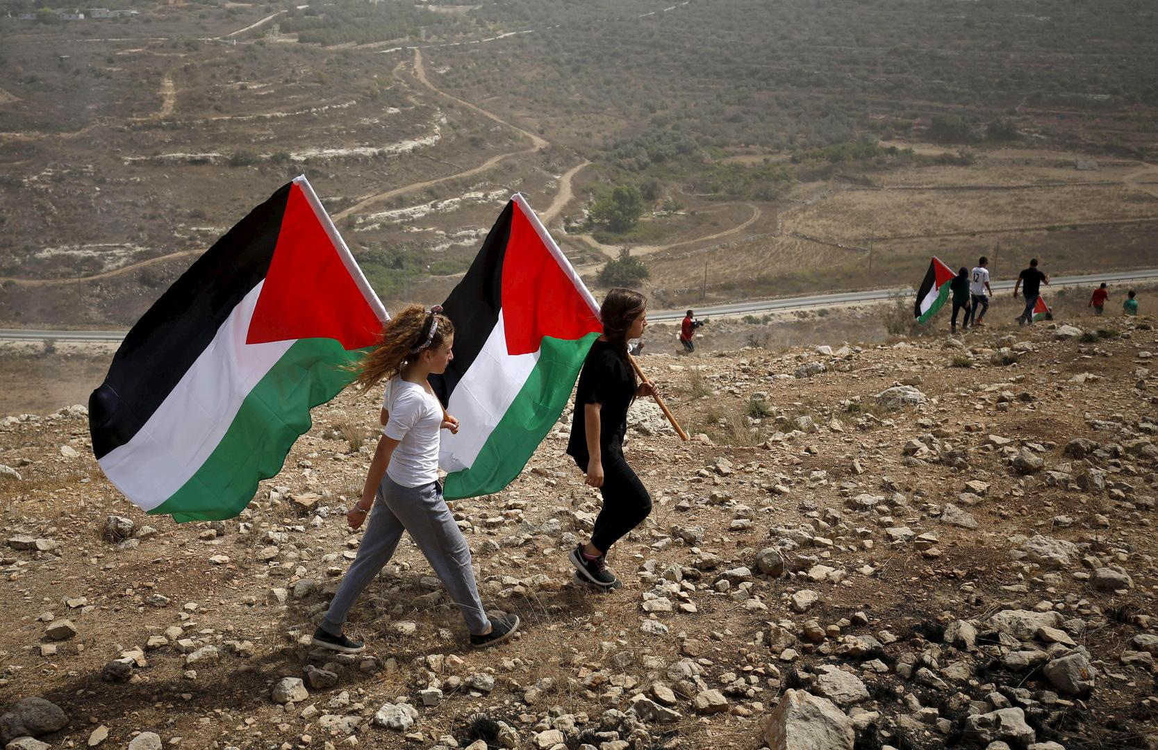 تقرير: قطر تقدم منحة شهرية بقيمة 30 مليون دولار للسلطة الفلسطينية