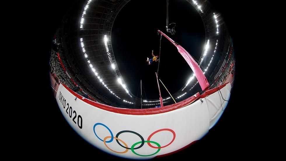 دوبلانتيس ينتزع أعلى ذهبية في أولمبياد 2020