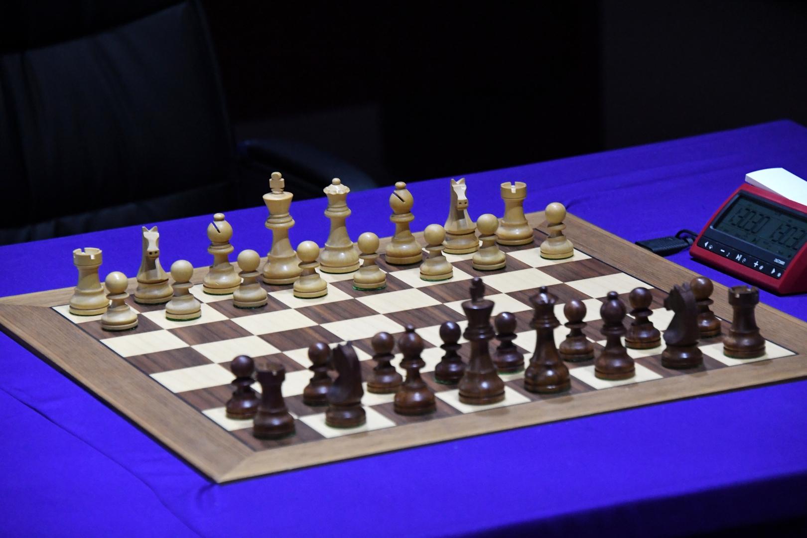 لاعب شطرنج روسي ينتقد مبادرة لتحقيق