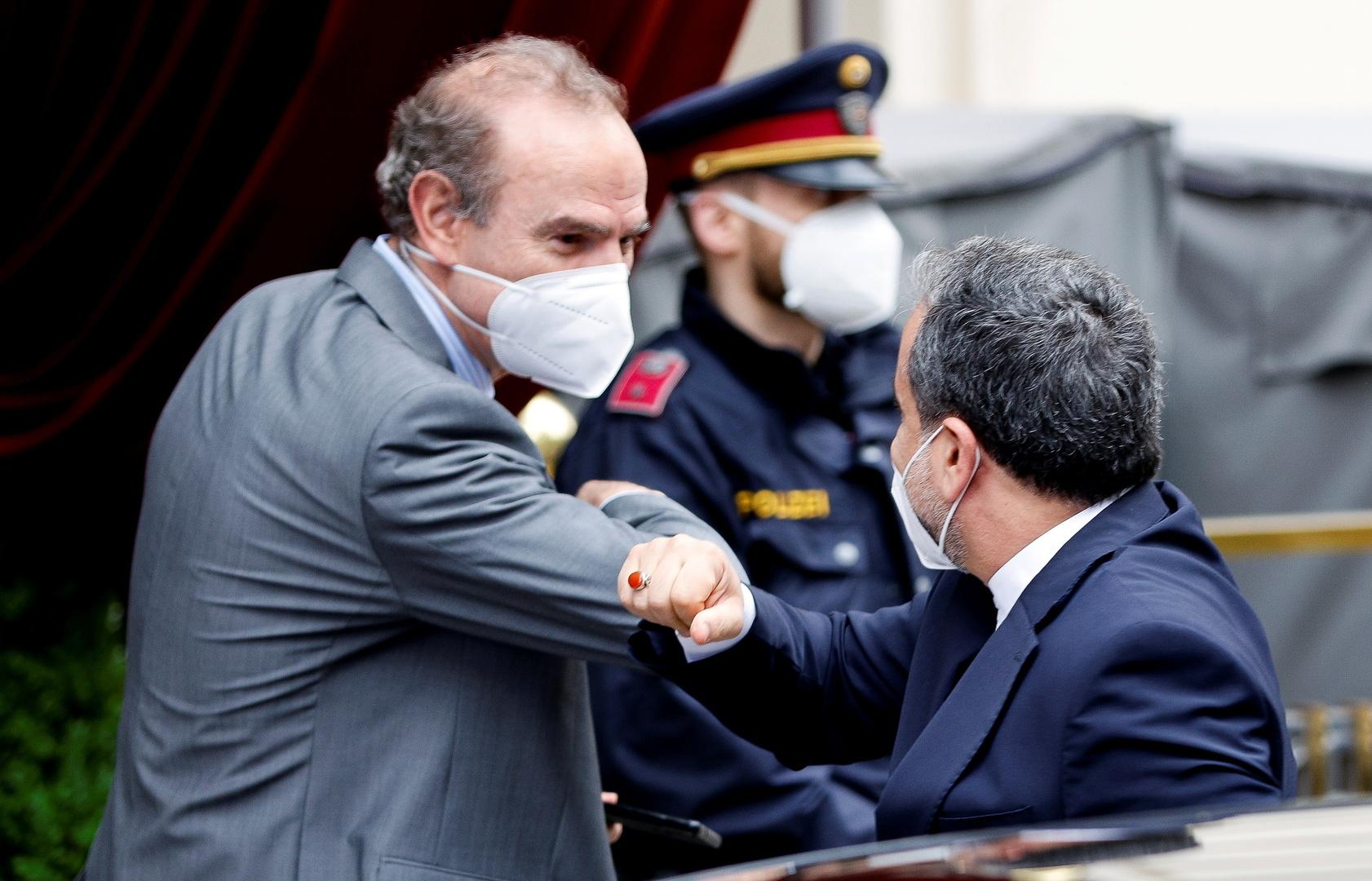 عراقجي يبحث مع ممثل الاتحاد الأوروبي مستجدات محادثات فيينا حول الصفقة النووية
