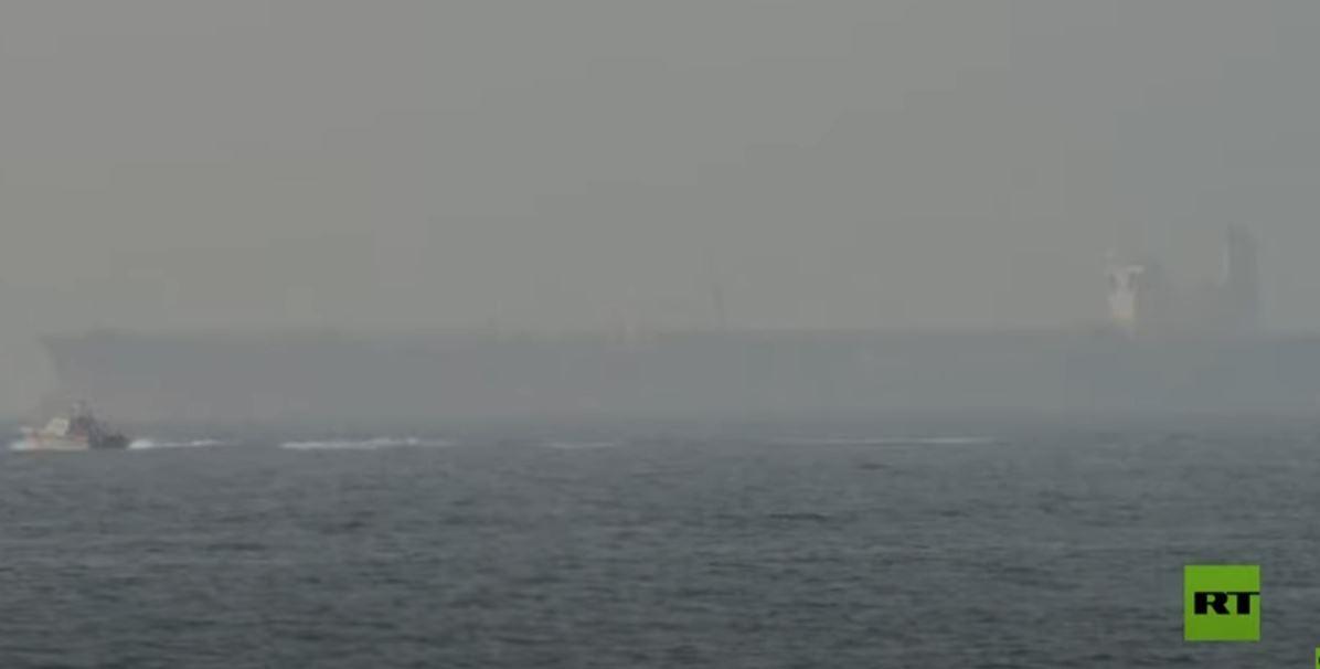 ناقلة تتعرض لهجوم قبالة سواحل عمان وترسو في ميناء الفجيرة الإماراتي