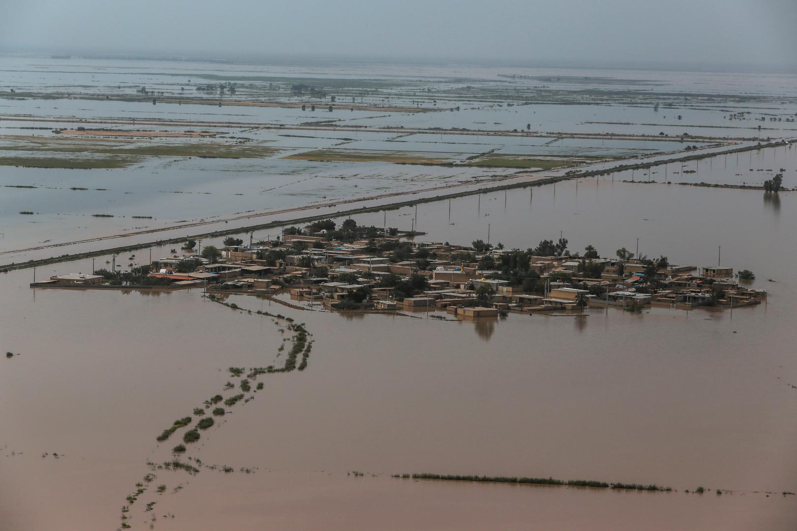 إيران.. 8 قتلى ومفقودان جراء الفيضانات