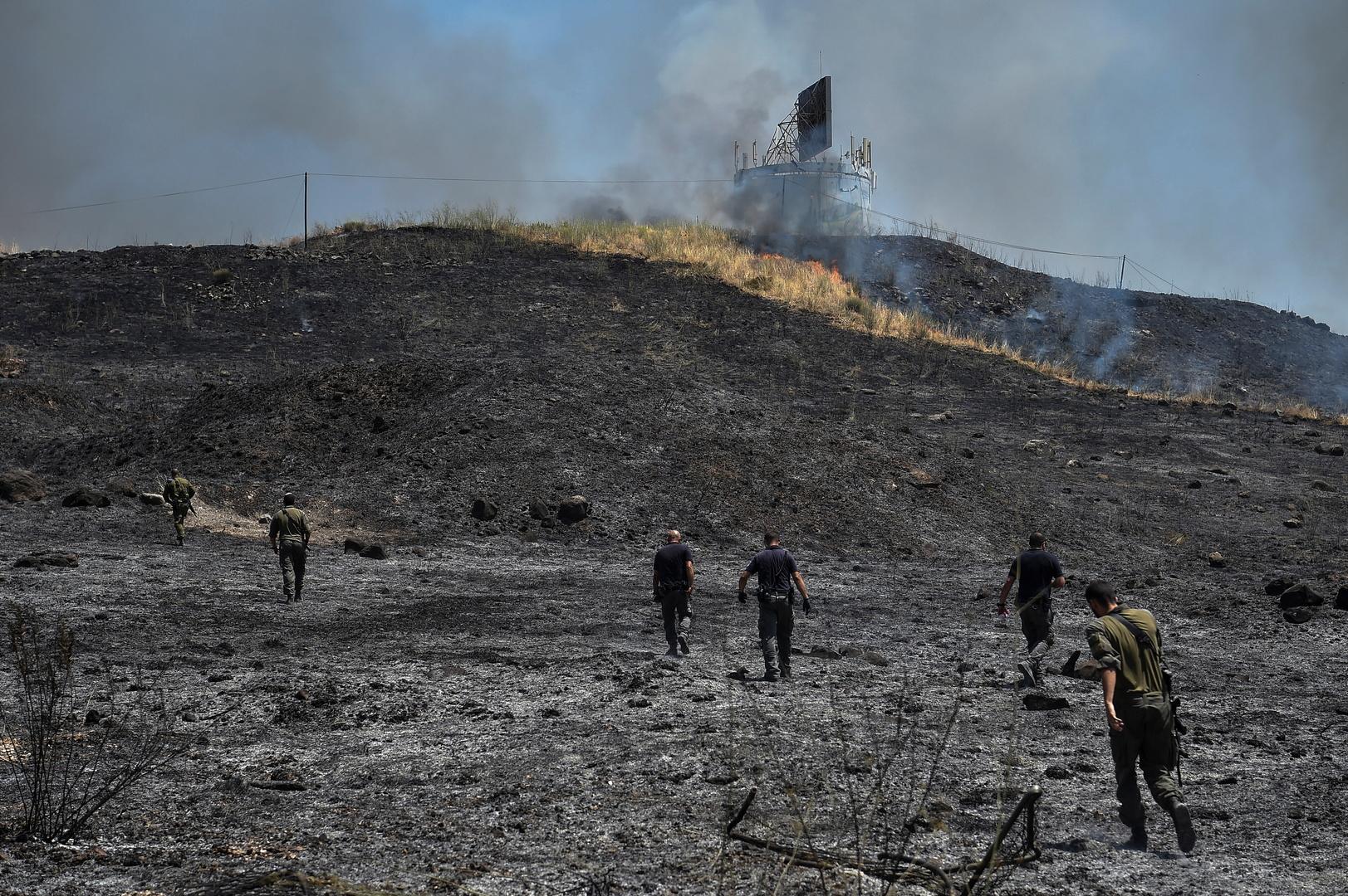 مراسلتنا: فقدان السيطرة على الحريق الناجم عن سقوط قذيفة صاروخية من لبنان قرب كريات شمونة (فيديو)