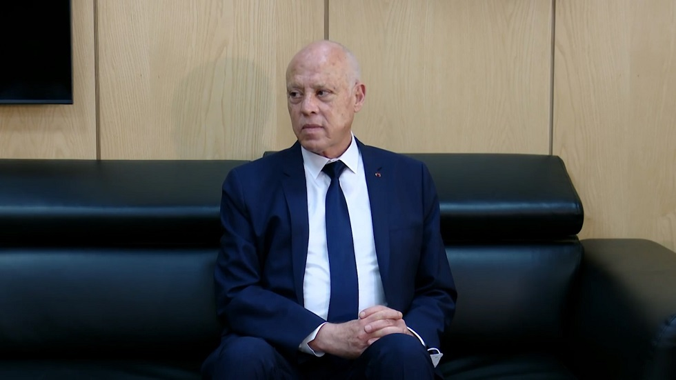 سعيّد: هناك من يحاول الهرب من تونس حاليا بطرق ملتوية (فيديو)