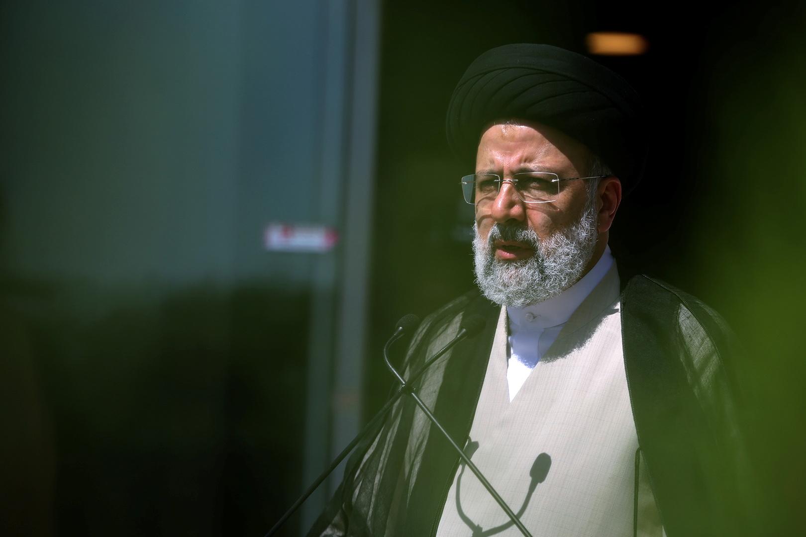 الرئيس الإيراني: لا يحق لأحد من خارج اليمن أن يقرر مصير هذا البلد