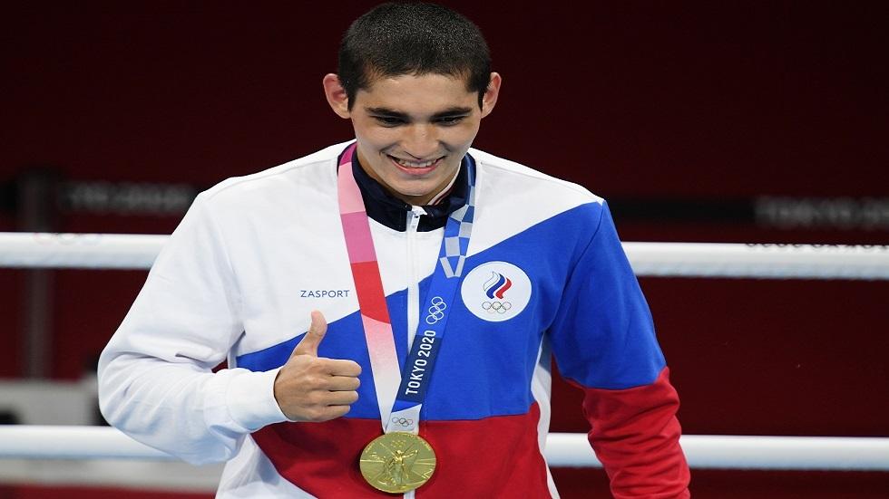 الملاكم الروسي باتيرغازييف يفوز بذهبية وزن الريشة في أولمبياد طوكيو