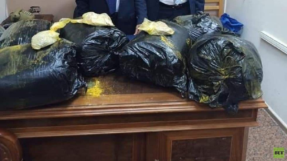 مصر.. جمارك مطار القاهرة تحبط محاولة تهريب كمية من مخدر القات (صور)