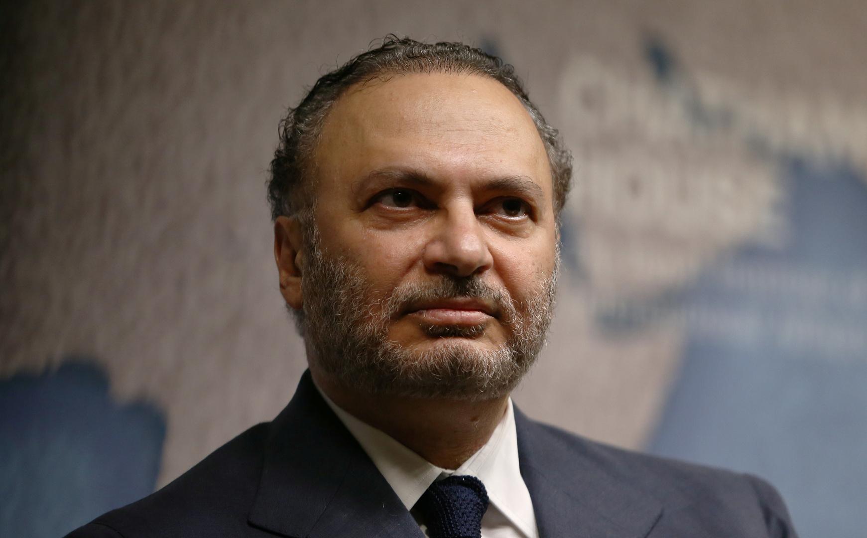 قرقاش يلتقي الرئيس التونسي ويؤكد دعم الإمارات لـ
