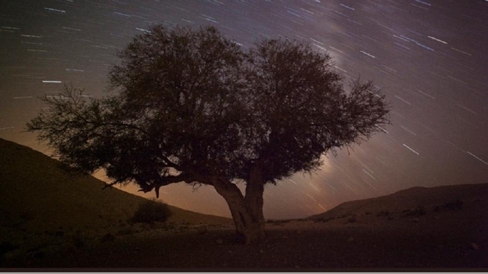 ظاهرة فلكية مميزة تزين سماء العالم الليلة