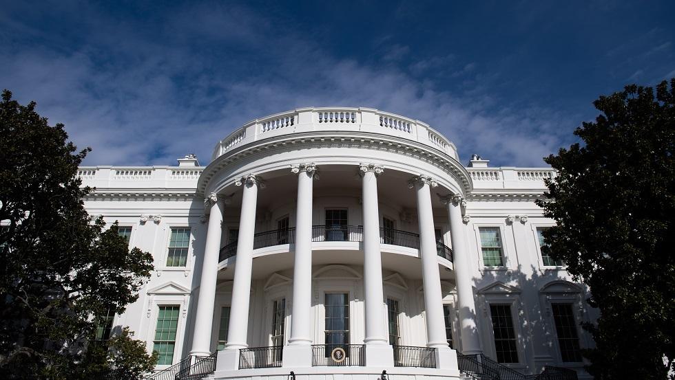 بايدن يبحث تقليص الحضور المدني الأمريكي في أفغانستان