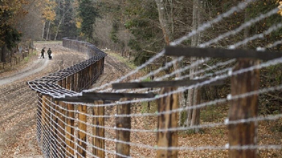 مينسك: البولنديون تركوا عند حدود بيلاروس لاجئا عراقيا تعرض للضرب