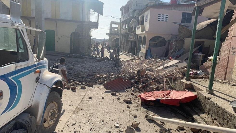 أول لقطات بعد زلزال قوي في هايتي