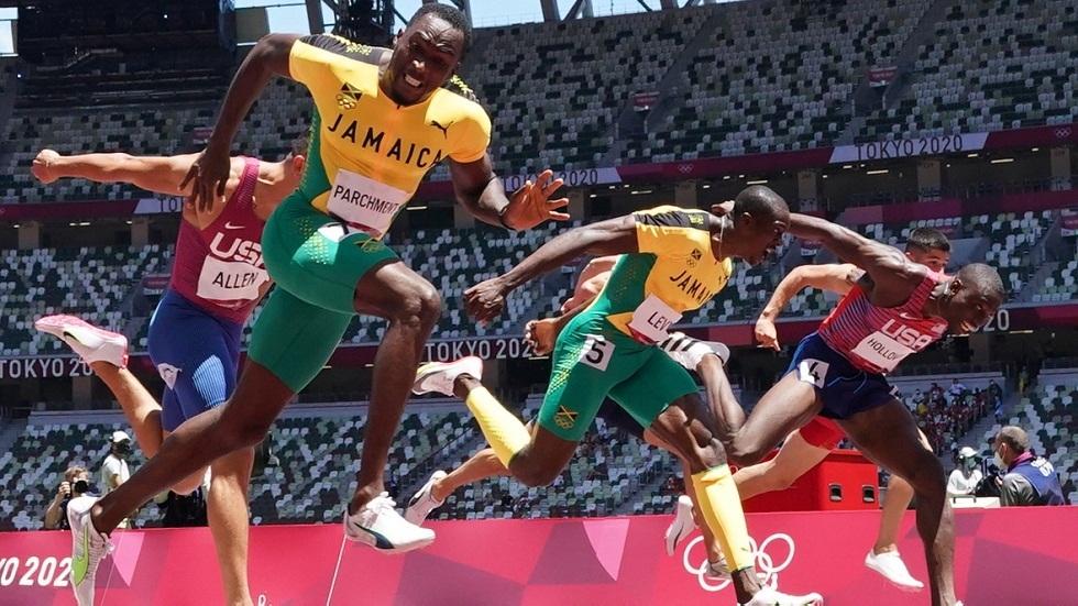 لفتة رائعة.. صاحب ذهبية في الأولمبياد يرد الدين لفتاة ساعدته في طوكيو (فيديو)