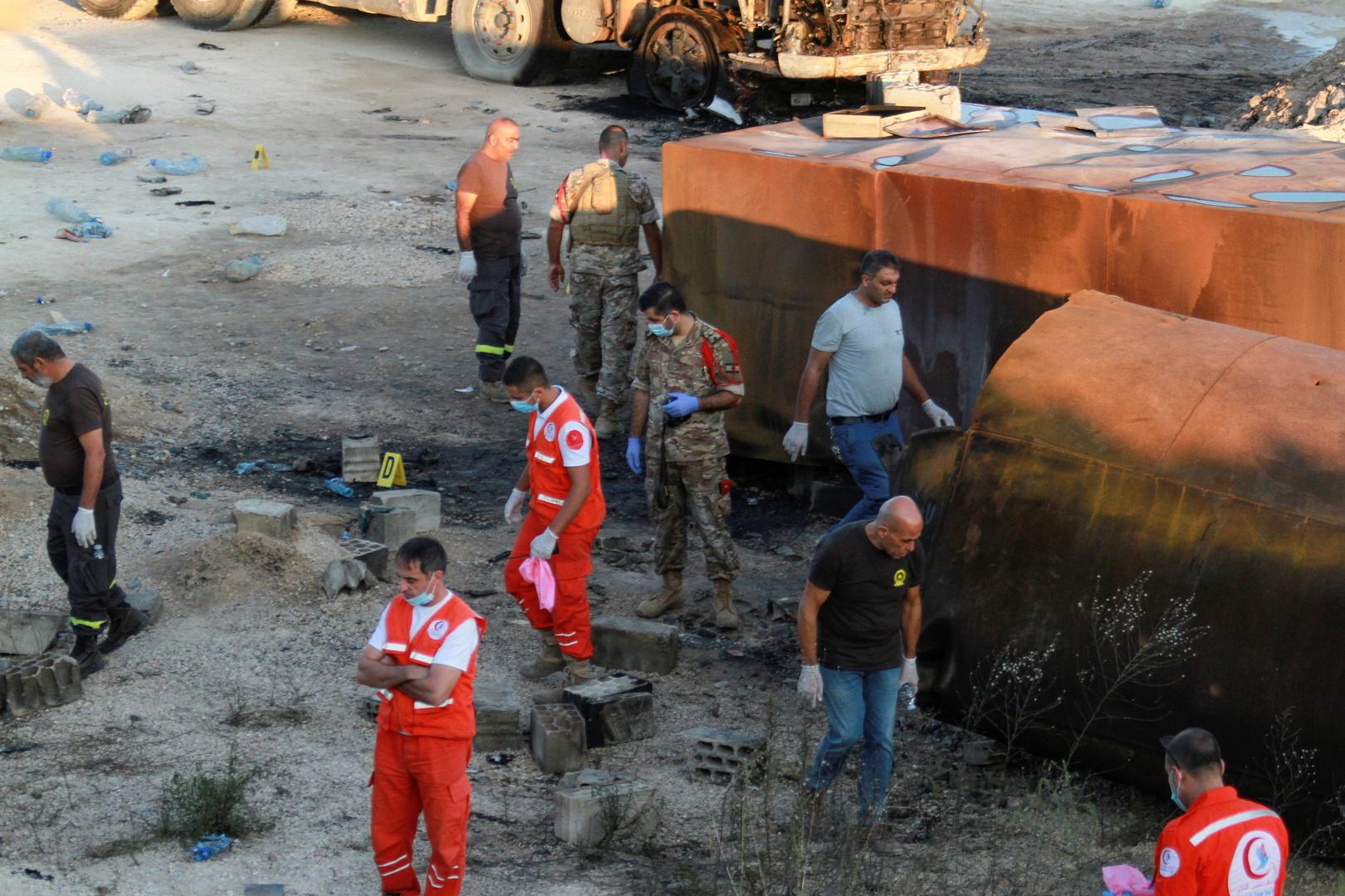 بعد انفجار الوقود المخزن.. غضب في عكار شمال لبنان وإحراق شاحنات