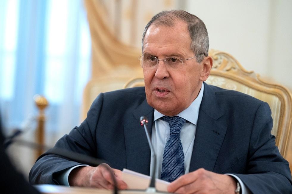 لافروف يحث بشكيك على الرد على النزعة القومية ضد الناطقين  بالروسية