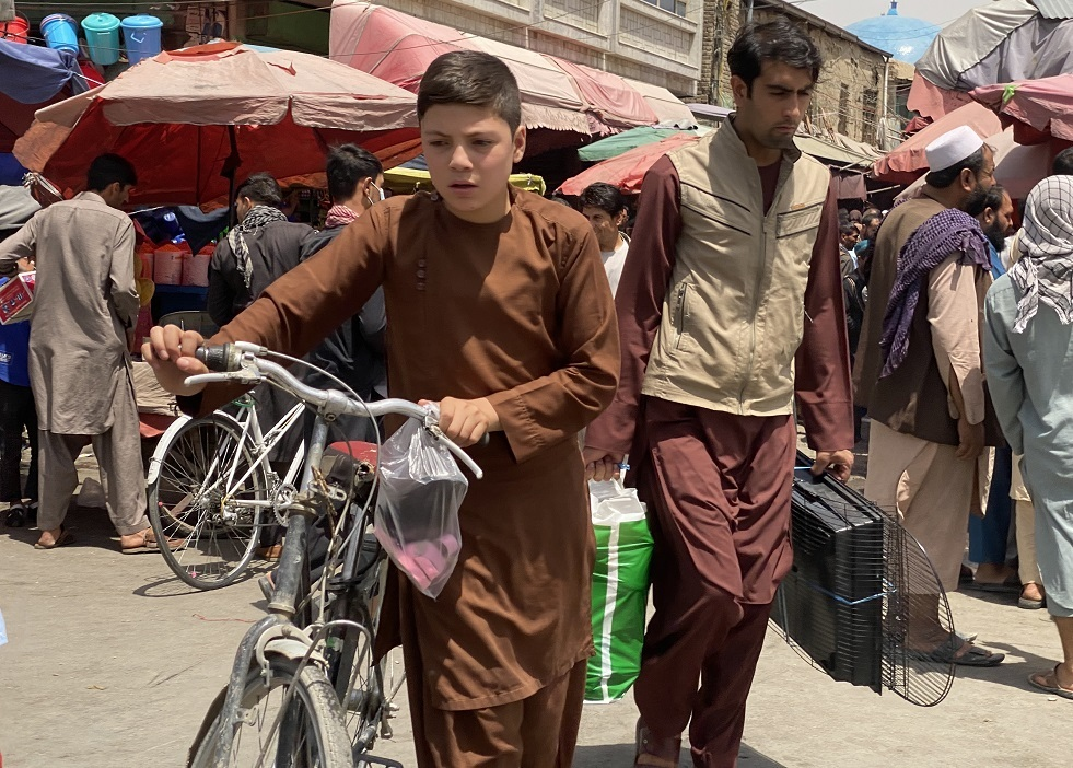 القنوات التلفزيونية الأفغانية تبدأ ببث تلاوة القرآن