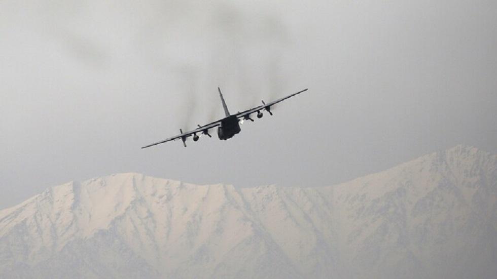 أوزبكستان تعلن استقبال 46 طائرة أفغانية تحمل مئات الجنود الفارين من بلادهم