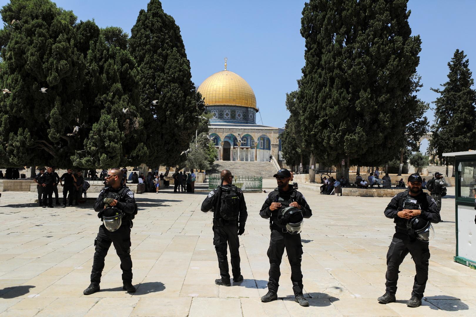 أمن إسرائيلي أمام حرم المسجد الأقصى