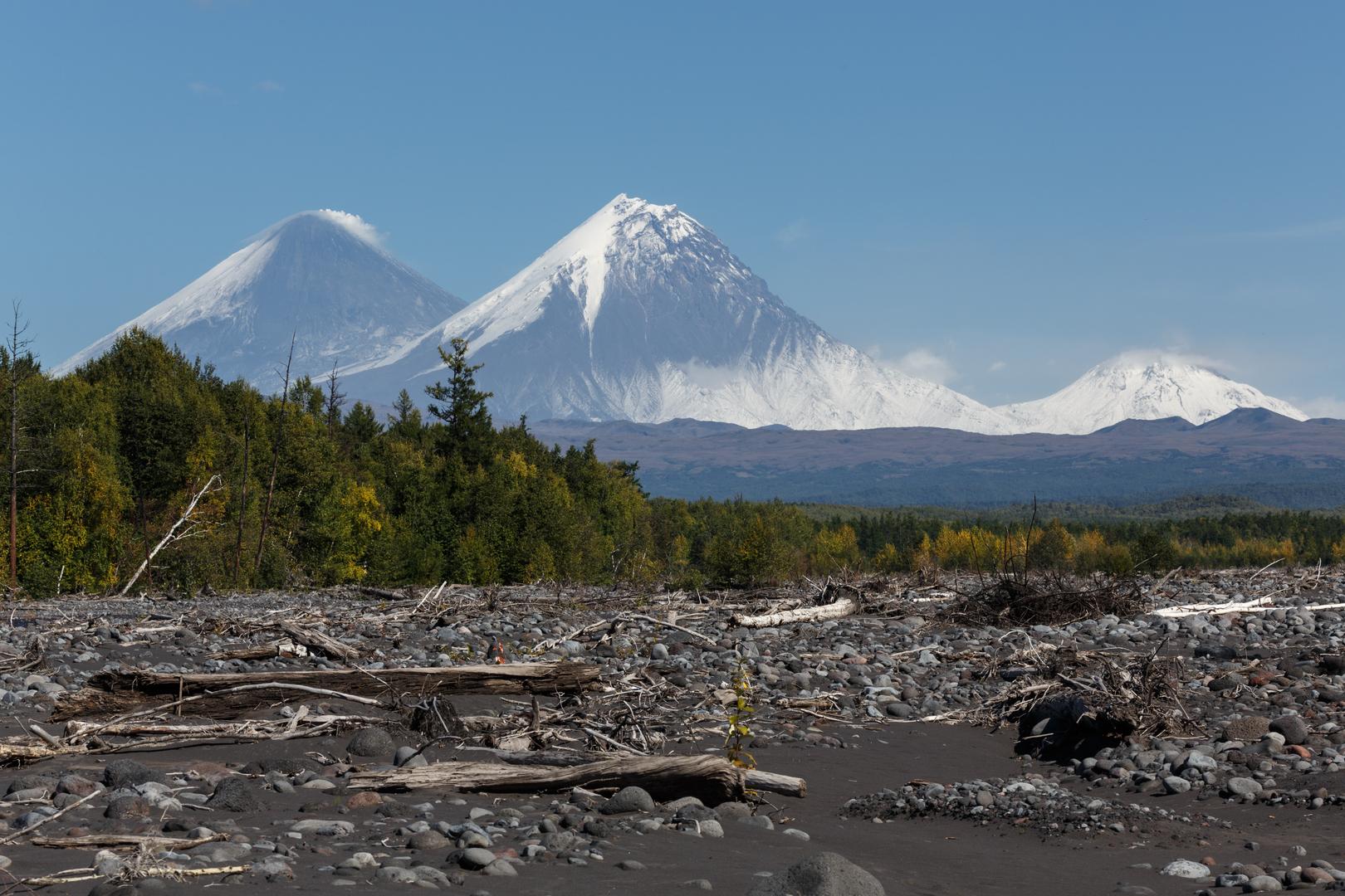 مصرع مسؤول محلي روسي جراء سقوطه من قمة بركان