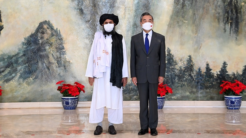 الصين تتعهد بمساعدة أفغانستان بعد وصول