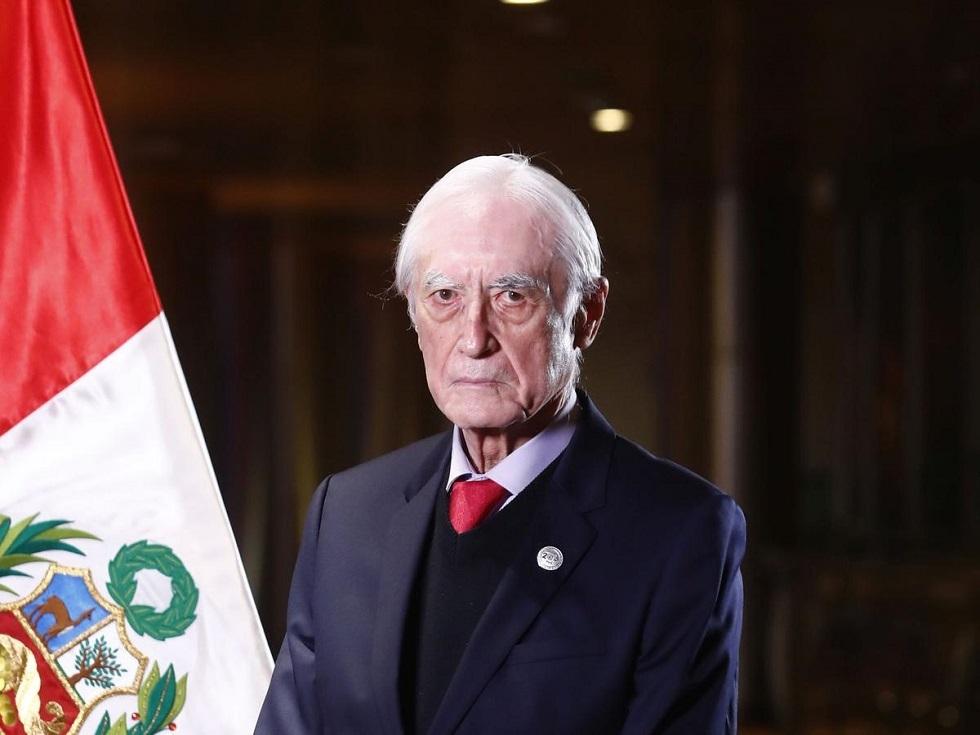 وزير الخارجية البيروفي إكتور بيخار