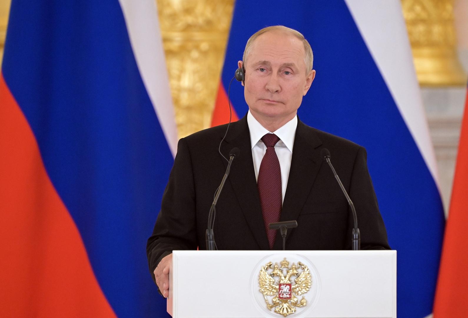 بوتين يدعو إلى مواصلة الحوار مع كل القوى السياسية في ليبيا