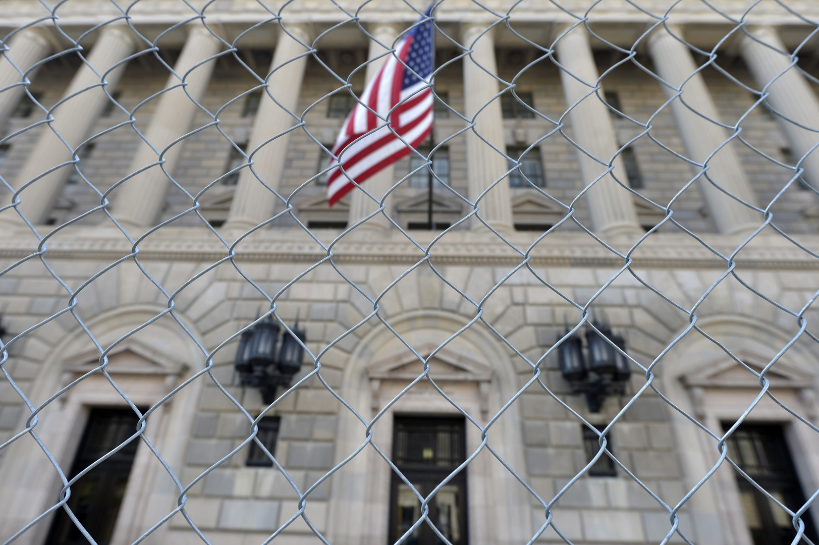 واشنطن تفرض عقوبات على 9 أشخاص ومؤسستين في روسيا على خلفية حادثة