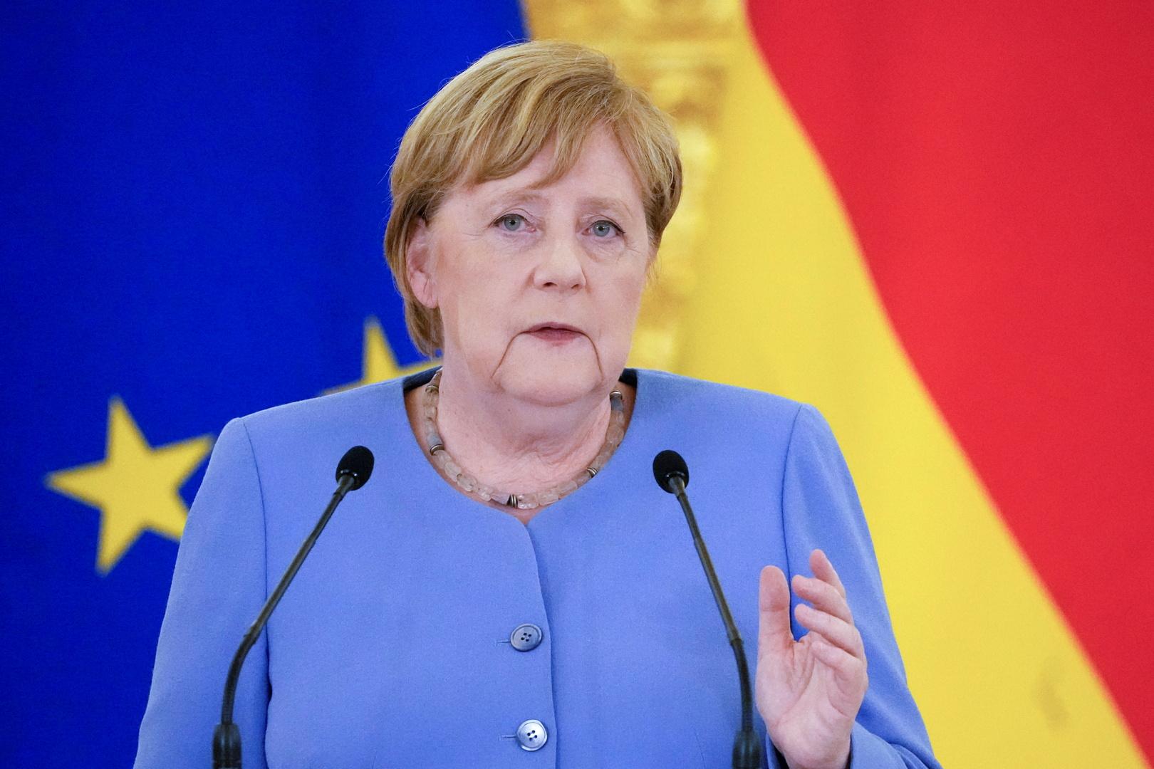 ميركل: الحكومة الألمانية لم تضغط لمنع بث RT