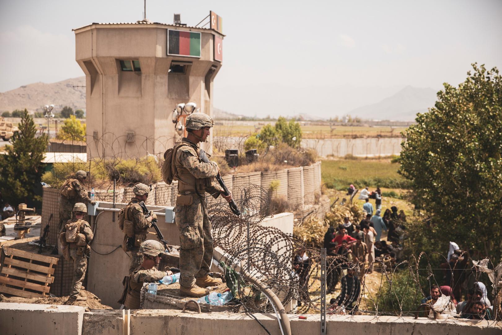 تقرير: القوات الأمريكية علقت عملية الإجلاء من كابل الجمعة بسبب عجز قطر عن استقبال اللاجئين