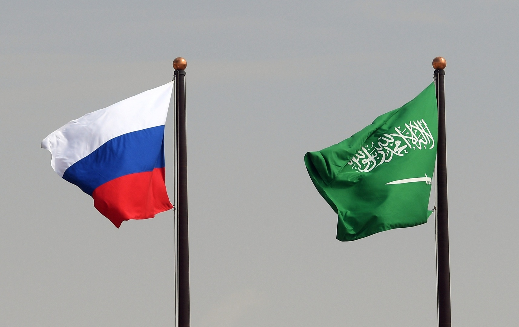 روسيا والسعودية توقعان اتفاقية حول التعاون العسكري