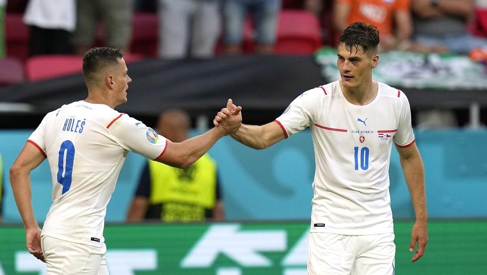 شيك يغيب عن التشيك أمام بيلاروس وبلجيكا في تصفيات كأس العالم