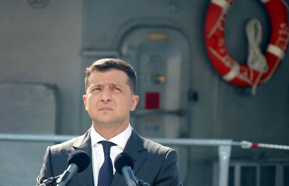 طائرة الرئيس الأوكراني تضطر لتغيير مسارها لإيصاله بأسرع وقت