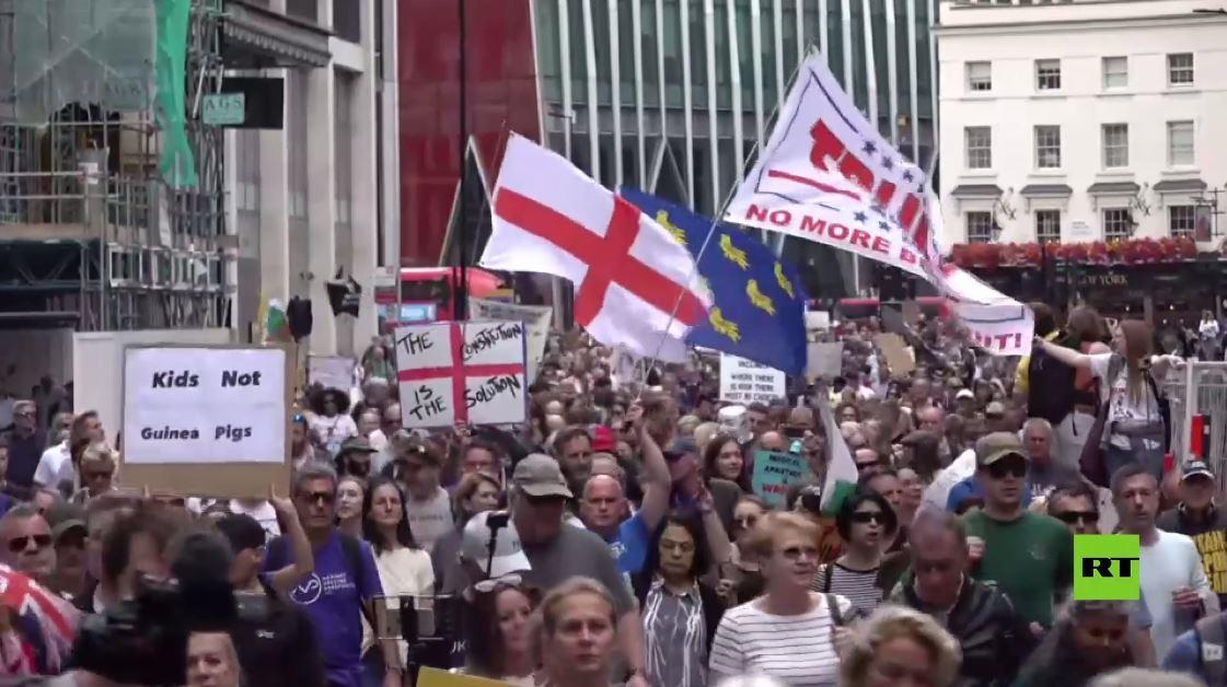 مظاهرة في لندن احتجاجا على حملة التطعيم ضد كورونا