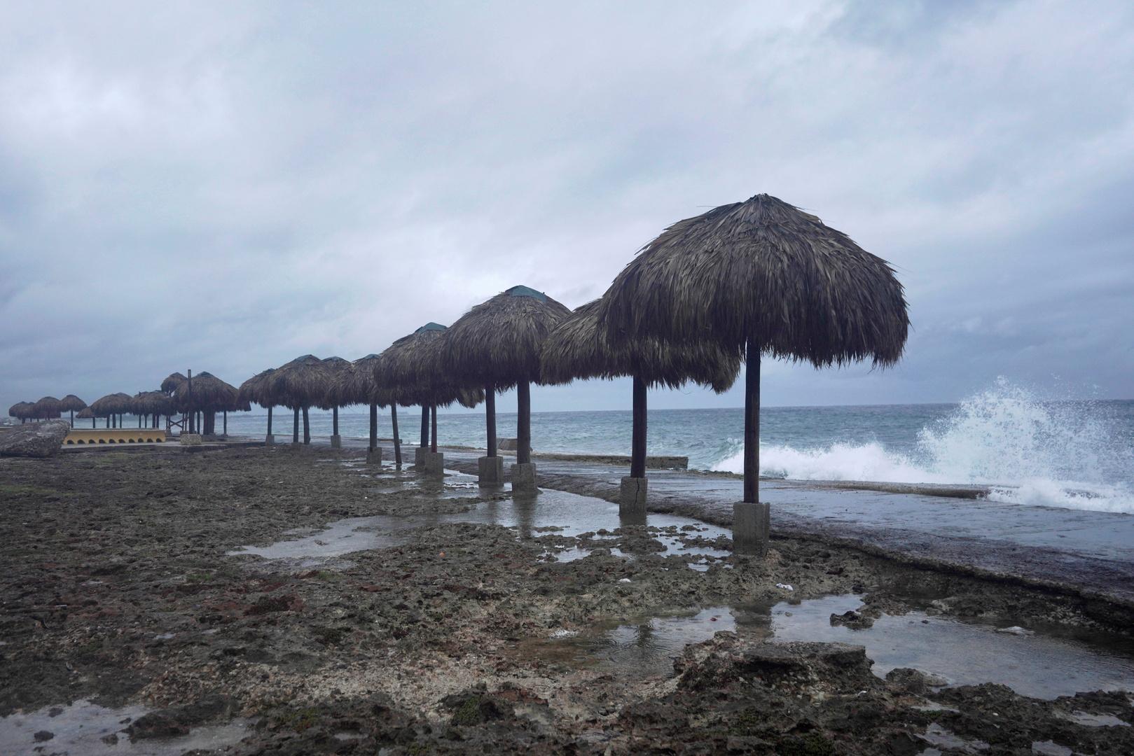 أقوى إعصار منذ 150 عاما يقترب من لويزيانا الأمريكية