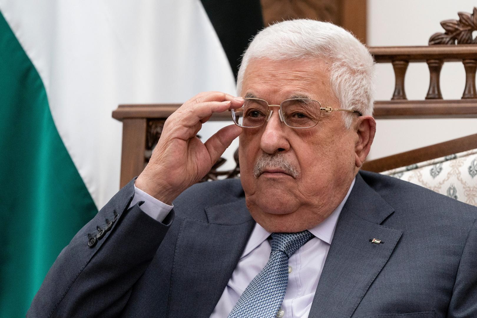 عباس يلتقي وزير الدفاع الإسرائيلي في رام الله