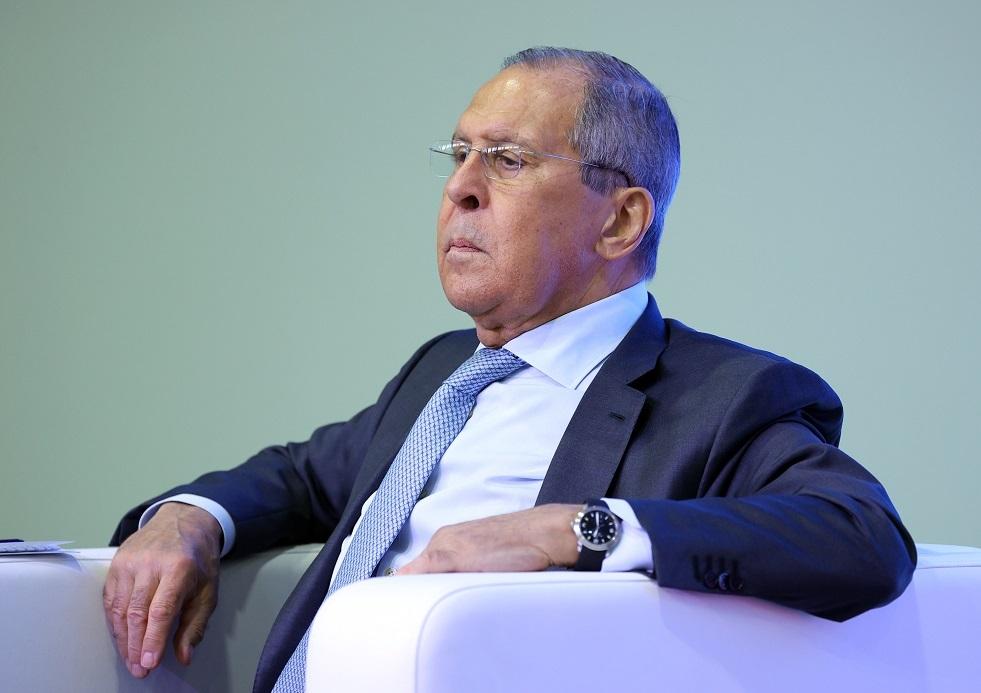 لافروف يتهم الغرب بمحاولة التأثير على الانتخابات في روسيا