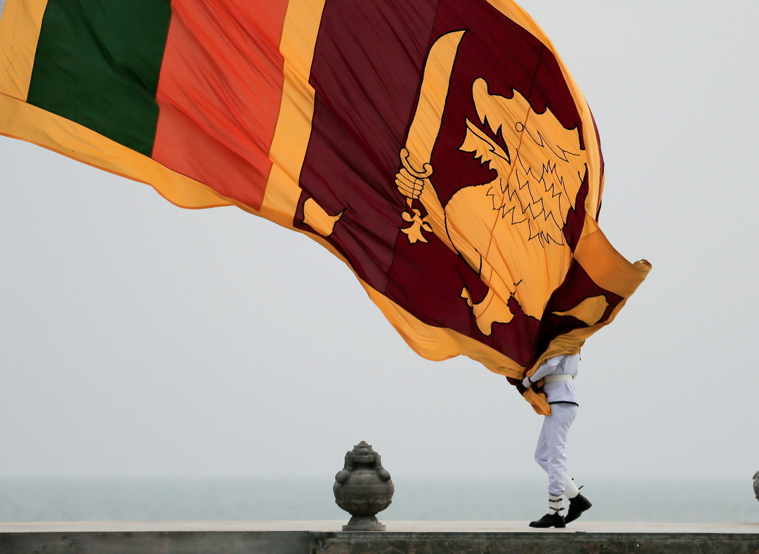 سريلانكا تعلن حالة الطوارئ الاقتصادية
