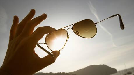 ما النظارات الشمسية التي يجب اختيارها لحماية العينين؟