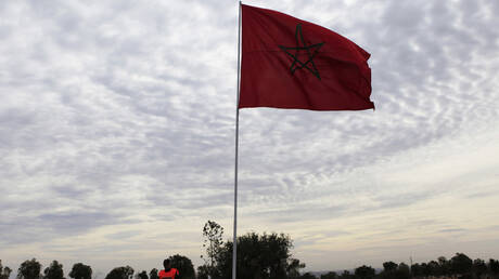 جريمة تهز المغرب.. شاب مختل عقليا يذبح والدته ويتجول حاملا رأسها