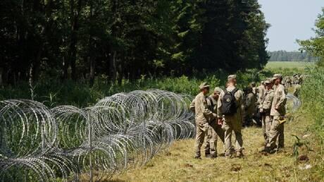بيلاروس.. حرس الحدود يسعف 5 عراقيين على الحدود مع ليتوانيا